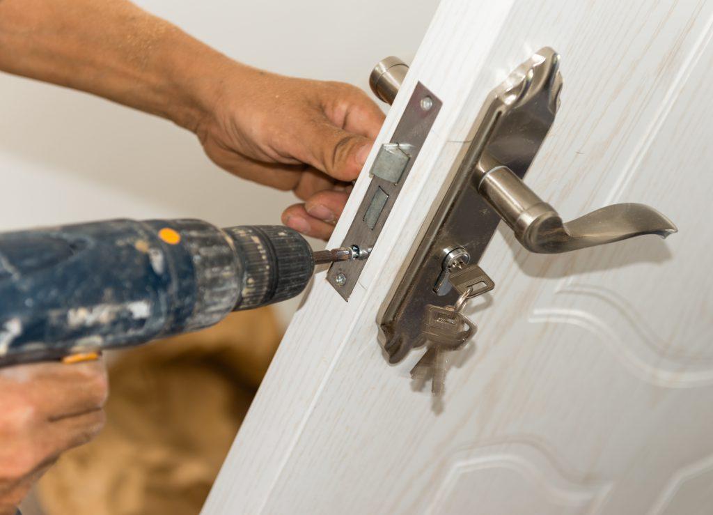 Do Landlords Have to Change Locks Between Tenants